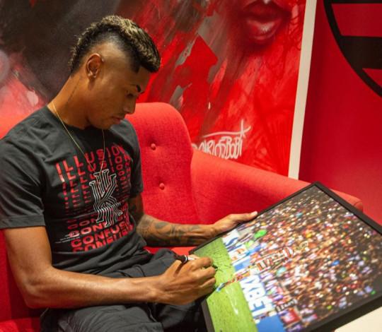 Flamengo lança quadros com fotos históricas de seu acervo, autografadas e com tiragem limitada
