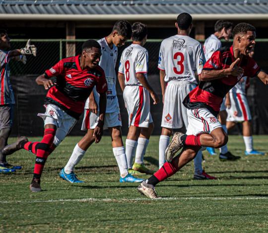 Sub-15 vence o Bangu e segue 100% na Copa Rio