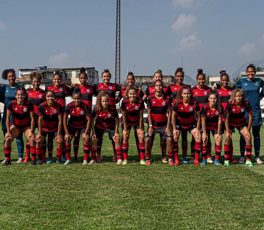 Flamengo contrata seis jogadoras para a equipe Sub-18 de futebol feminino