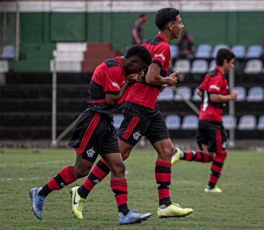Sub-16 do Mengão vence o Fluminense e segue invicto na Copa Rio