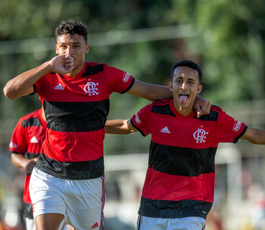 Sub-17 vence a sexta seguida no Brasileiro e garante a classificação para as quartas de final
