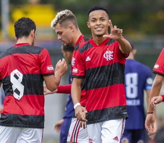 Na Gávea, Flamengo aplica uma goleada de 9 a 1 sobre o Macaé pelo Carioca Sub-20