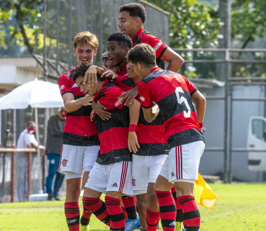 Pela Copa Rio, Flamengo Sub-17 vira pra cima do Botafogo e vence por 4 a 3