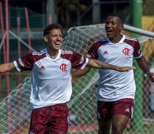 Fora de casa, Flamengo vence a Portuguesa por 2 a 1 pelo Carioca Sub-20