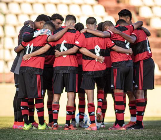 Sub-17 vence o Cruzeiro fora de casa e mantem a liderança do grupo e a melhor campanha do Brasileiro
