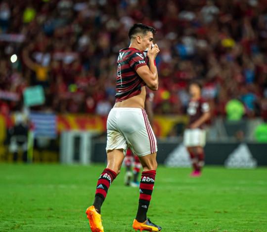 Campeão Brasileiro e da Libertadores com o Manto, Reinier visita o Ninho do Urubu