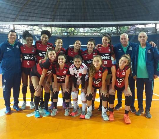 Base do vôlei do Flamengo conquista três vitórias pela Superliga Carioca