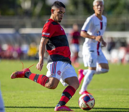 Na Gávea, Mengão vence o Resende de virada por 2 a 1 e segue na liderança da Taça Guanabara Sub-20
