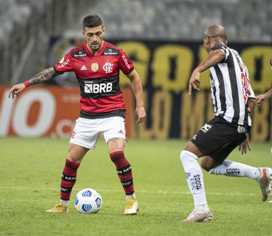 Flamengo é derrotado pelo Atlético-MG por 2 a 1, no Mineirão
