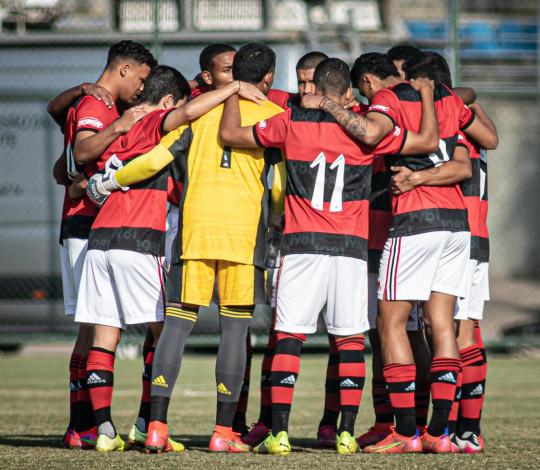 Sub-17 vence o Atlético MG em BH, e larga na frente nas quartas de final do Campeonato Brasileiro