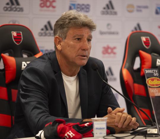 """""""Treinar o Flamengo é a mesma coisa que treinar a Seleção Brasileira"""""""