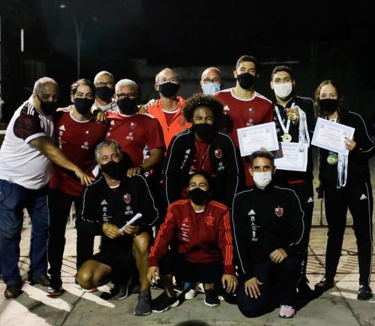 Flamengo conquista o título do Estadual de Natação de Inverno nas categorias Junior e Sênior