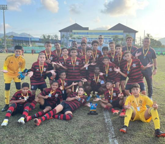 Sub-11 e Sub-12 do Mengão são campeões do Torneio de Clubes CFZ