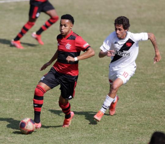 Sub-20 empata com o Vasco fora de casa e segue na liderança isolada da Taça Guanabara