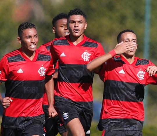 Sub-17 empata com o São Paulo em Cotia, e leva a decisão da vaga na final do Brasileirão para o Rio