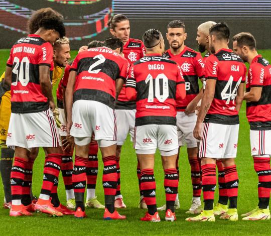 Mengão vence o Grêmio por 4 a 0 e abre boa vantagem nas quartas da Copa do Brasil