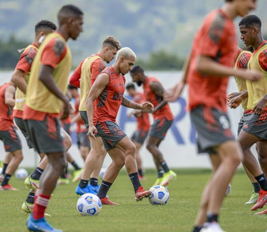 Flamengo finaliza a semana de treinamentos