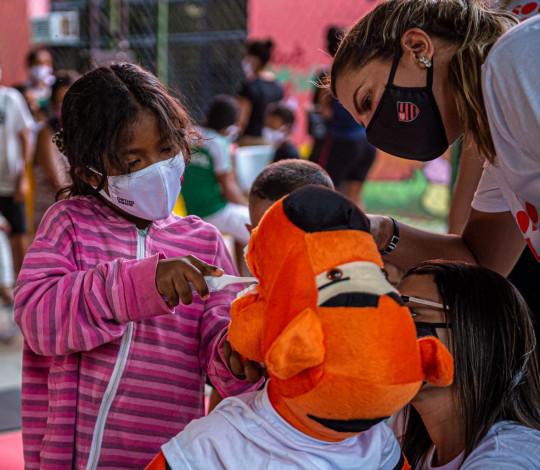 Flamengo e Orthopride promovem ação de saúde bucal para pessoas em vulnerabilidade social