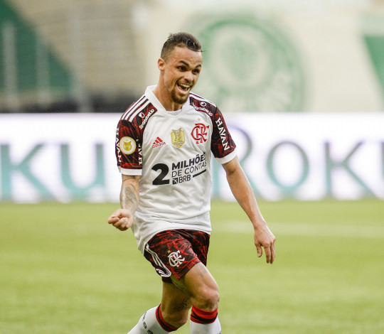 Com dois de Michael, Mengão vence o Palmeiras de virada por 3 a 1 fora de casa