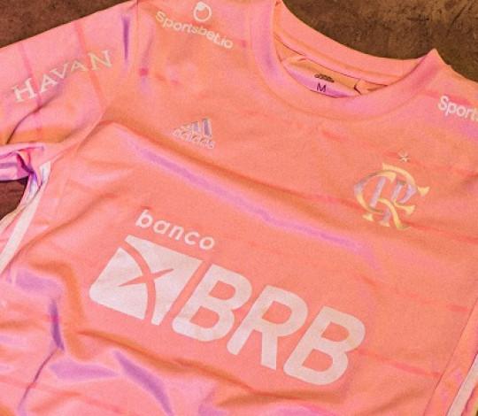 Flamengo e adidas lançam camisa alusiva ao Outubro Rosa e alertam para a importância da prevenção