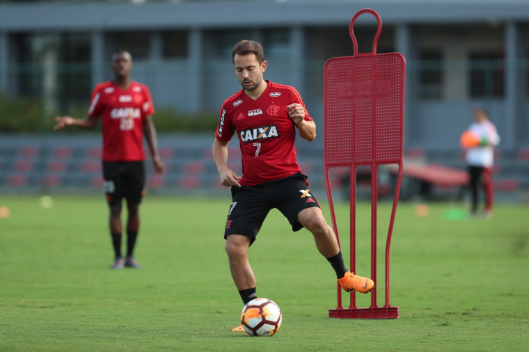 Flamengo: Focado no jogo decisivo pela Libertadores, elenco rubro-negro se reapresenta no Ninho do Urubu