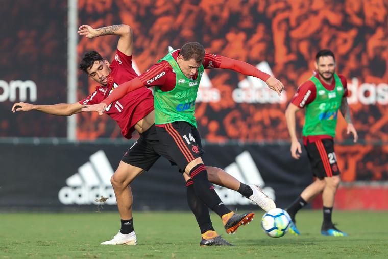 Elenco do Flamengo se reapresenta no Ninho do Urubu de olho no duelo contra o Palmeiras