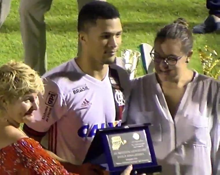 Autor de dois gols na final (quatro na competição), Vitor Gabriel recebeu o prêmio de MVP da final.