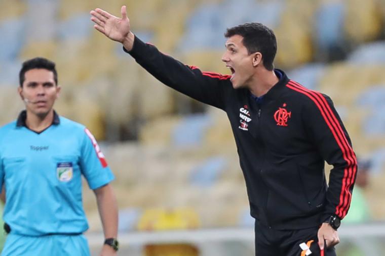 Estudo, trabalho e inovação: Barbieri inicia nova fase no comando do Flamengo