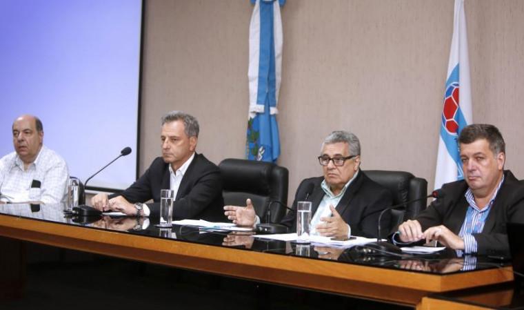 Nelson Muffarej (Presidente do Botafogo), Rodolfo Landim (Presidente do Flamengo), Rubens Lopes (Presidente da FERJ) e Marcelo Vianna (Diretor de Competições) - Crédito: Úrsula Nery/Agência FERJ