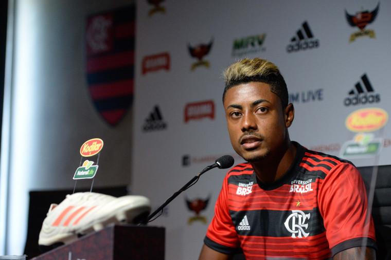Bruno Henrique é apresentado e já quer jogar sábado - Flamengo