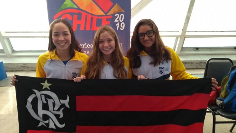 Ana Luisa Daisson (esq.), Ingra Pedroso e Maria Fernanda (dir.) representam o Mais Querido na competição.