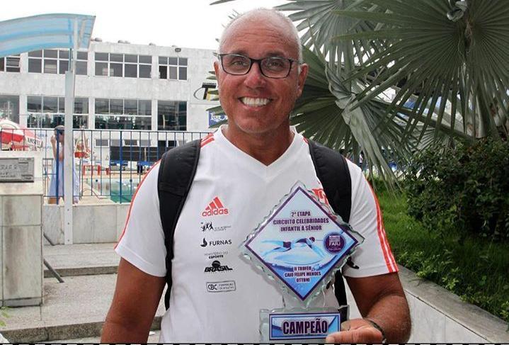 Nandão conquista mais um título à frente do comando técnico da natação rubro-negra. Foto: Sodré/FARJ
