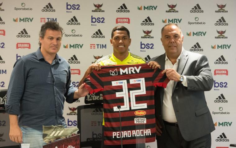 O atacante Pedro Rocha foi apresentado nesta segunda-feira (13) no Ninho do Urubu. Foto: Alexandre Vidal / Flamengo
