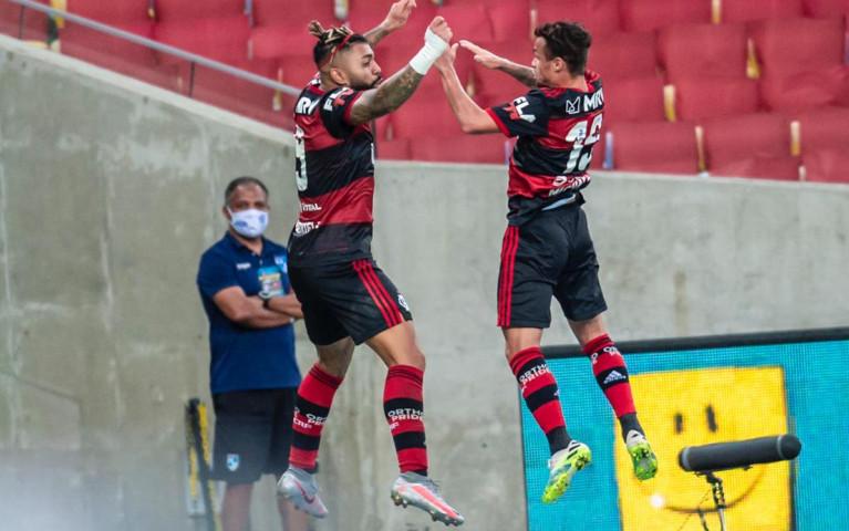 Flamengo vence o Fluminense por 2 a 1