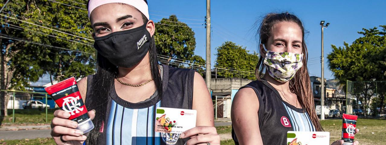 'Nação Solidária' ajuda atletas do futebol feminino do RJ