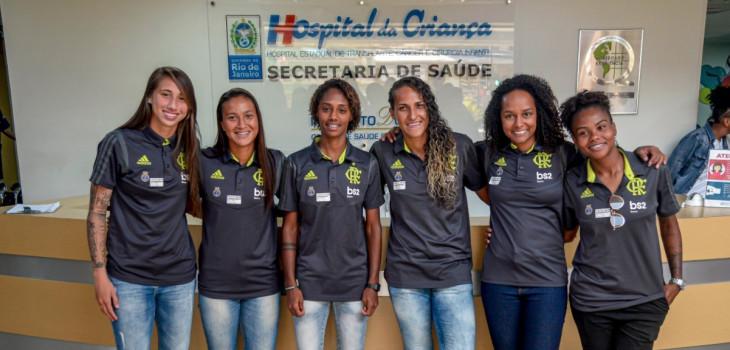 Futebol Feminino visita Hospital da Criança
