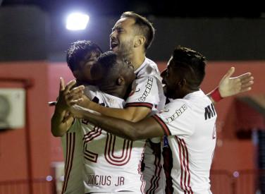 Vitória x Flamengo  Campeonato Brasileiro 2018 - 14/04/2018