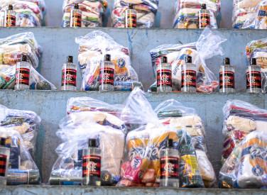 Flamengo doa álcool gel e participa de doações no Chapéu Mangueira e Morro da Babilônia - 20-04-2020
