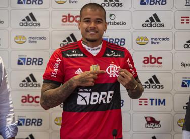 Chegada e apresentação do atleta Kenedy ao Flamengo - 27-08-2021