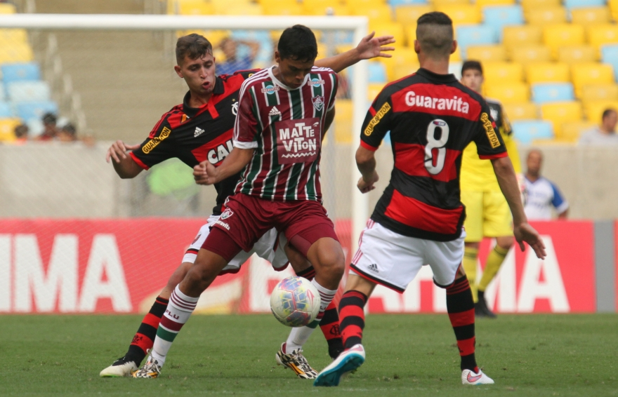 4f1fa153907ba Flamengo x Fluminense (juniores) - 05 04 2015 - Flamengo