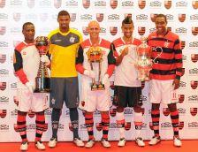 Flamengo lança uniformes para a temporada 2011