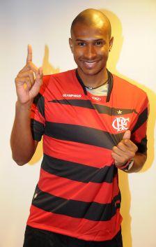 Leandrinho assina contrato com o Flamengo - 18.08
