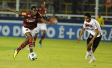 Flamengo X Atlético - PR - Brasileirão 2011 - 11-09