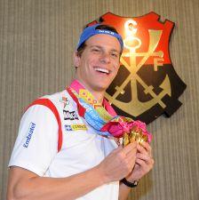 Flamengo recebe Cesar Cielo e medalhistas do Pan