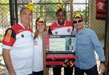 Flamengo adota Urubu Rei no Zoológico do Rio.-(11-11-2011)