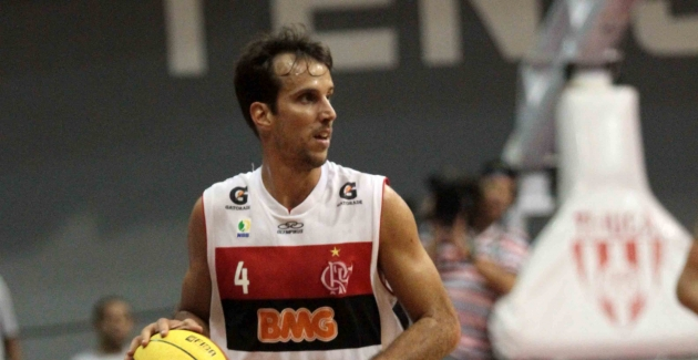 Basquete-Flamengo x Uberlândia-11/05/2012