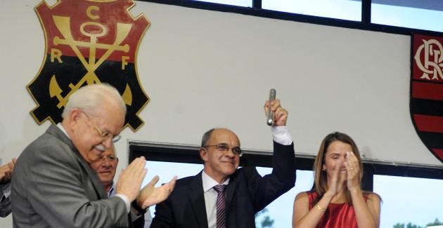 Eduardo Bandeira de Mello toma posse no Flamengo