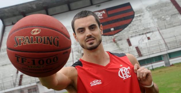 Bruno Zanotti é o novo reforço do Basquete  - 11-01-2013