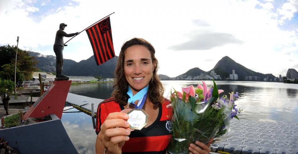 Fabiana Beltrame é recebida na Gávea com homenagens - 16-07-2013