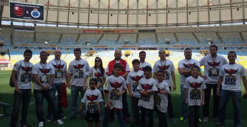 Sócios-torcedores e filhos participam de matchday no Dia das Crianças